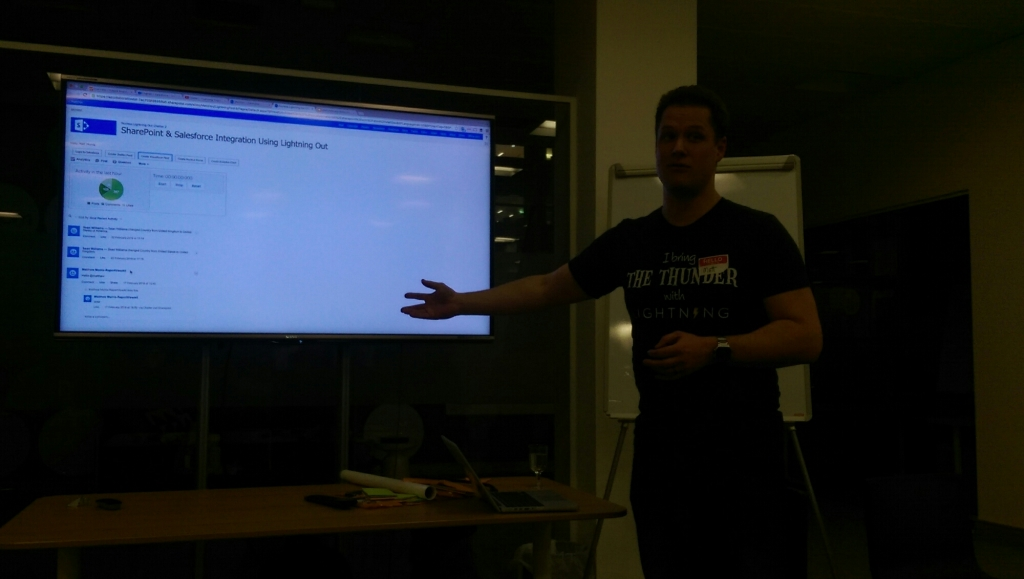 @MatMorris Showing Chatter embedded in Sharepoint